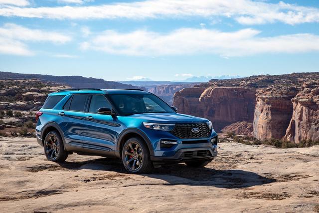 全新福特探险者强劲上市,高级配置,亲民价格,冲击高端SUV市场