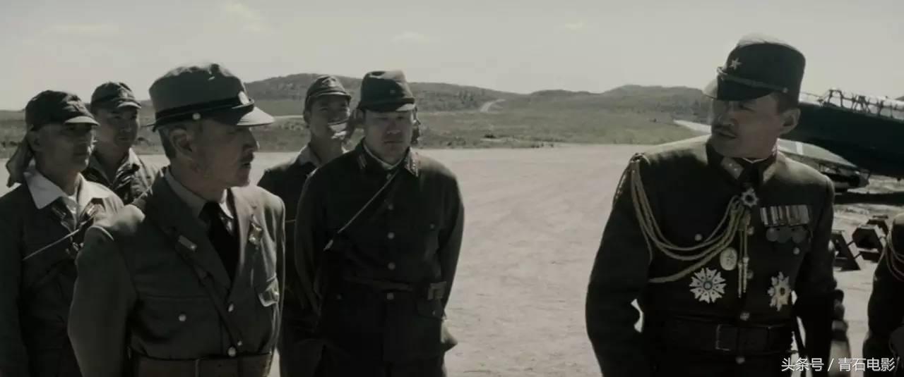 拍了两部电影从攻防双方展示同一场战争,只有他做到了!