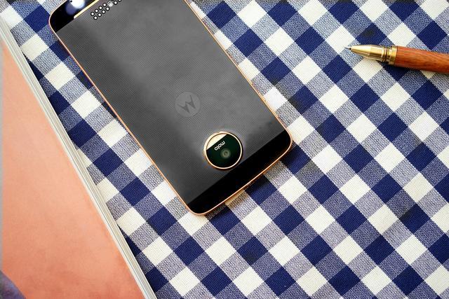 想到MOTO几款新手机齐曝出  网民:现在是时候翻盘了?