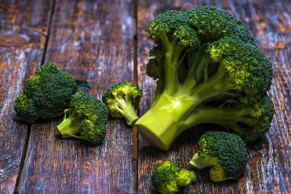 葉黃素是視網膜中的重要營養成分,但是吃不對,容易傷肝