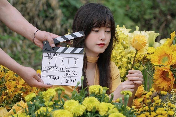具惠善众筹1000万拍电影,淡黄的长裙蓬松的头发被工作人员嘲笑