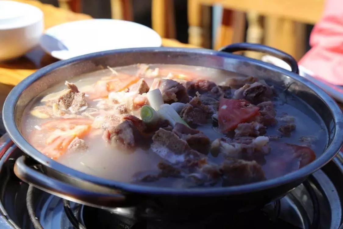 到丽江旅游,这17道当地特色美食不容错过,让你领略云南风味