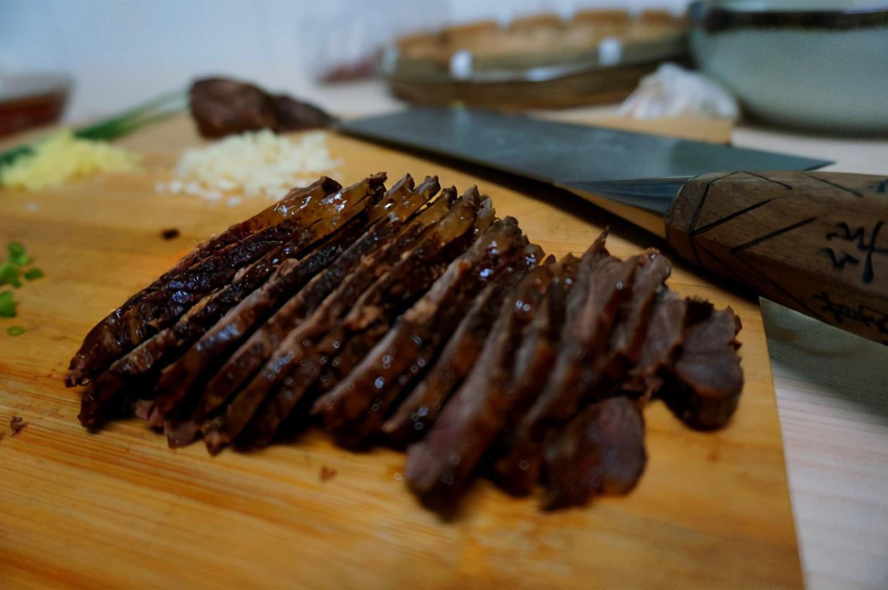 """做酱牛肉学会""""3加2减"""",出锅酱香浓郁,酥烂可口,入味没腥味"""