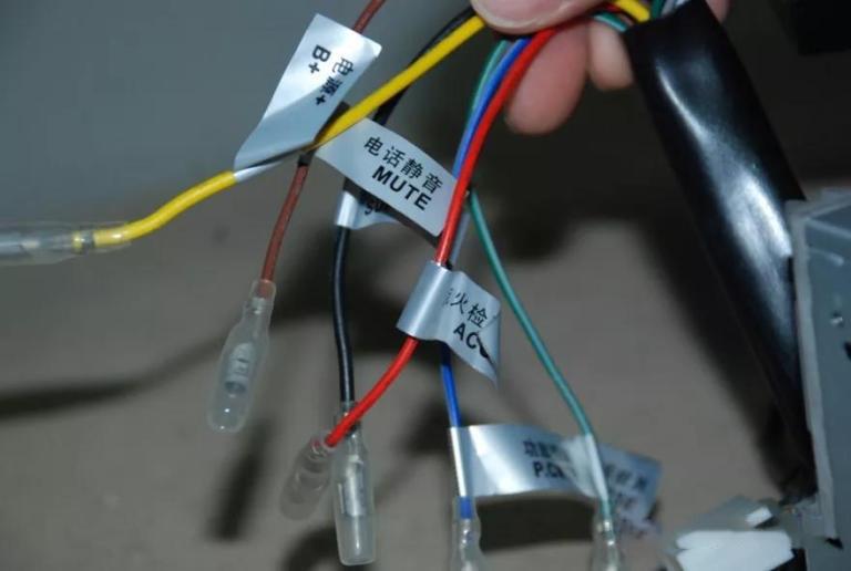 汽车音响改装从入门到精通(第十四课):汽车音响安装施工
