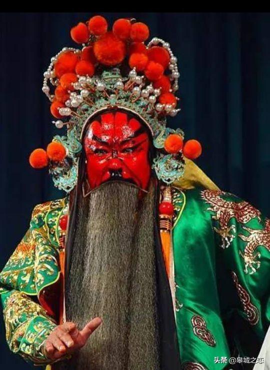 我国京剧脸谱黑色代表什么(京剧脸谱色彩中黑色一般表示)