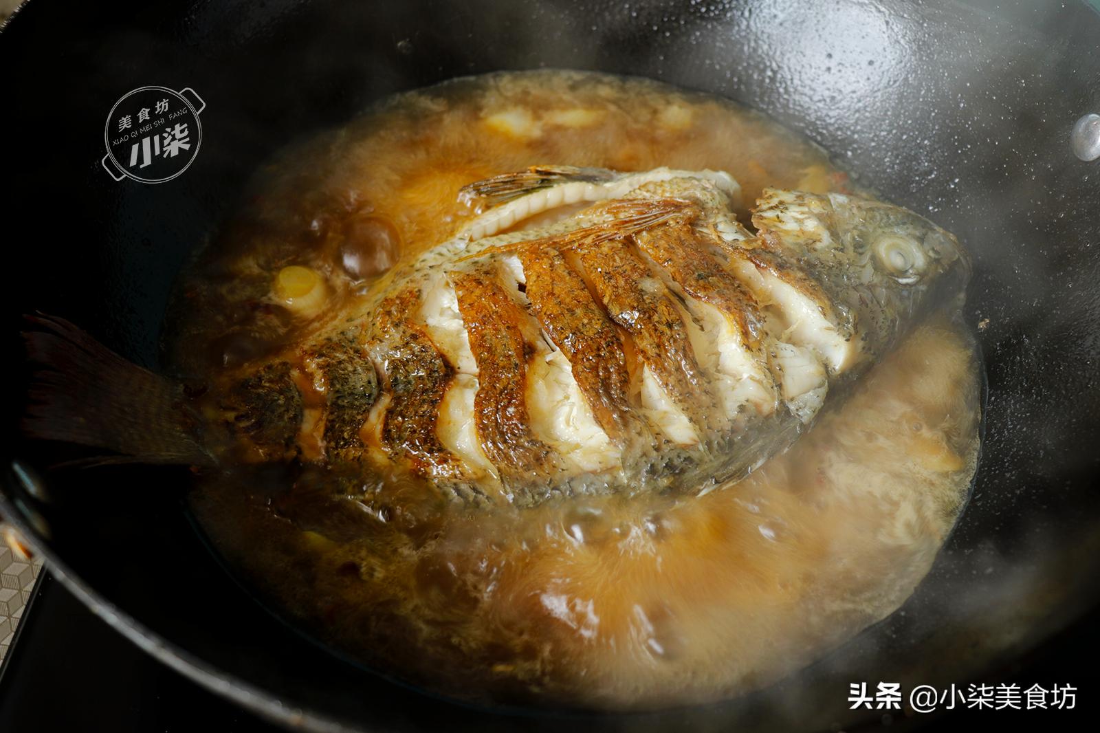 煎鱼时,多加这2步,出锅不粘锅不破皮,学会过年待客非常有面子