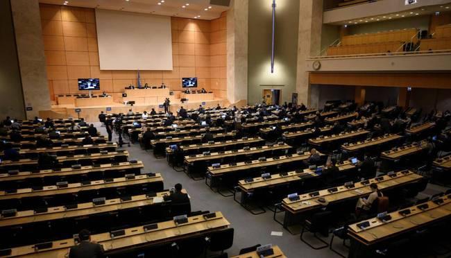 联合国上,中国当面警告英德,给世界制造麻烦太多,该反省