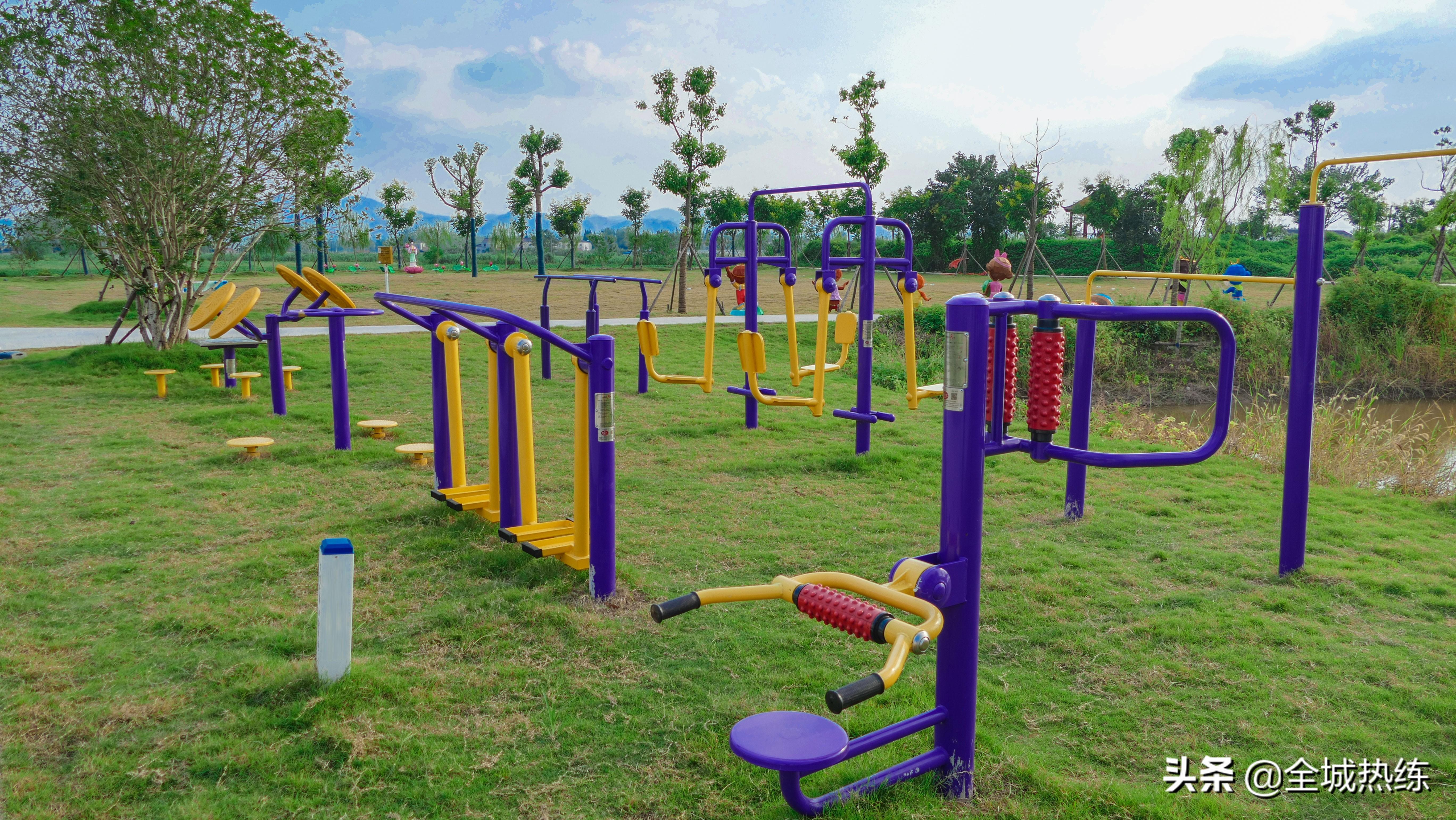 创建国家卫生文明城市 社会体育指导员在行动 全市健身器材安全隐患大排查行动