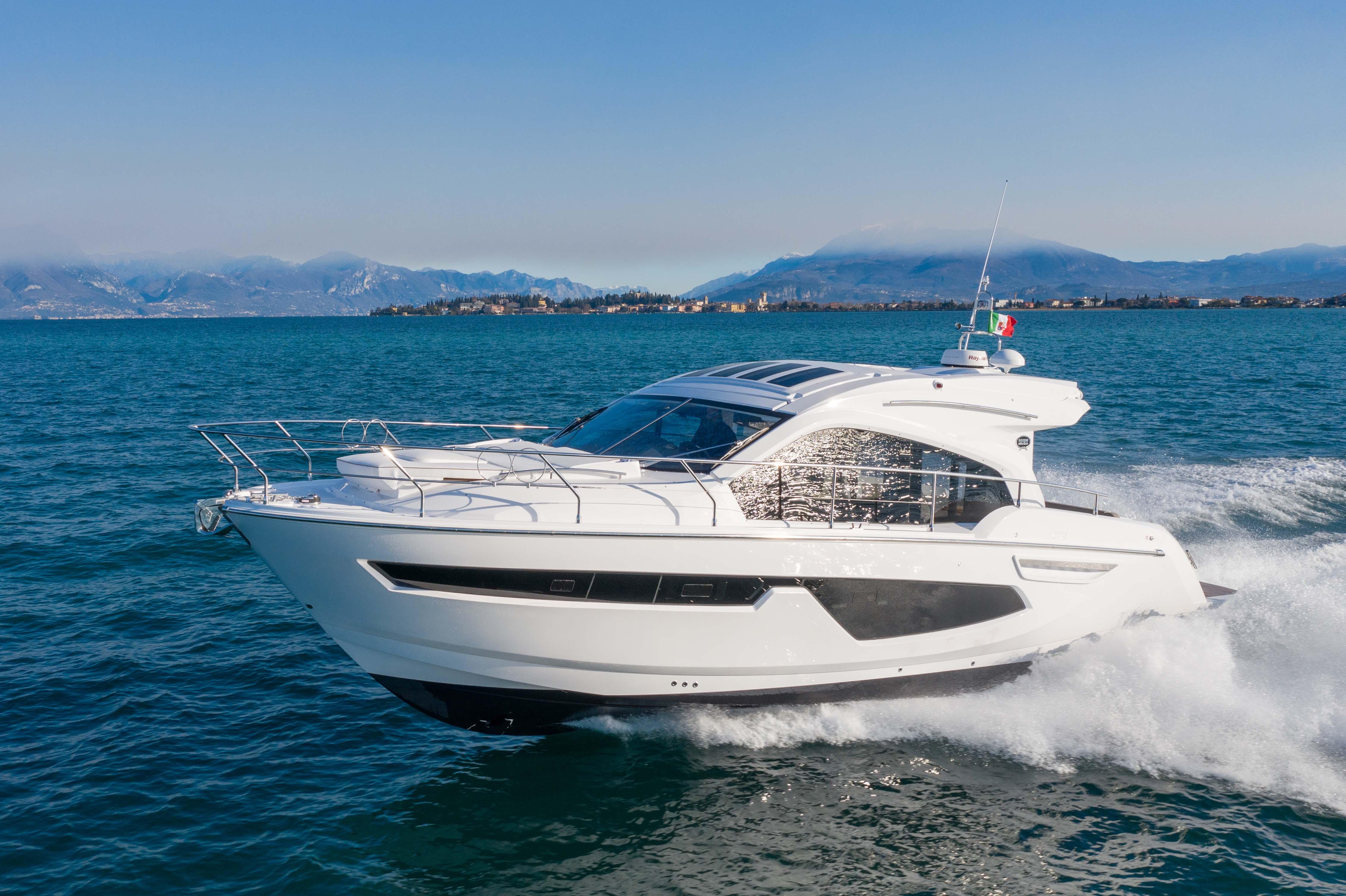 """「塞莎Sessa C42」运动游艇,源于经典,""""跨越""""经典"""