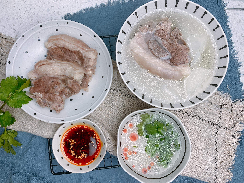 """冬至炖羊肉汤,记住""""1不3要""""的窍门,羊肉汤不发黑,味道鲜美"""