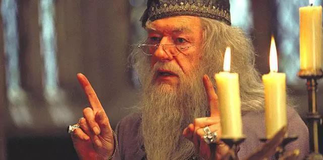 女子学通灵魔法被骗5万,感觉比小魔仙变魔术还刺激