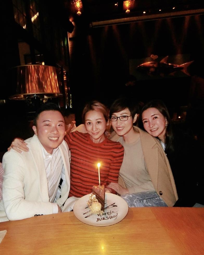 蔣麗莎生日曬18宮格,分享全家福,與蔡少芬黃奕陳法蓉親密合影