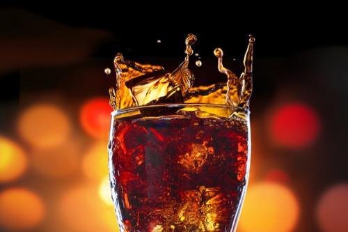 喝可乐会损害骨骼,导致骨质疏松吗?告诉你哪些坏习惯最伤骨骼