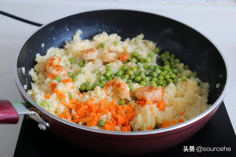 自从学会这种炒饭,再也没有吃过蛋炒饭了,粒粒分明奶香十足