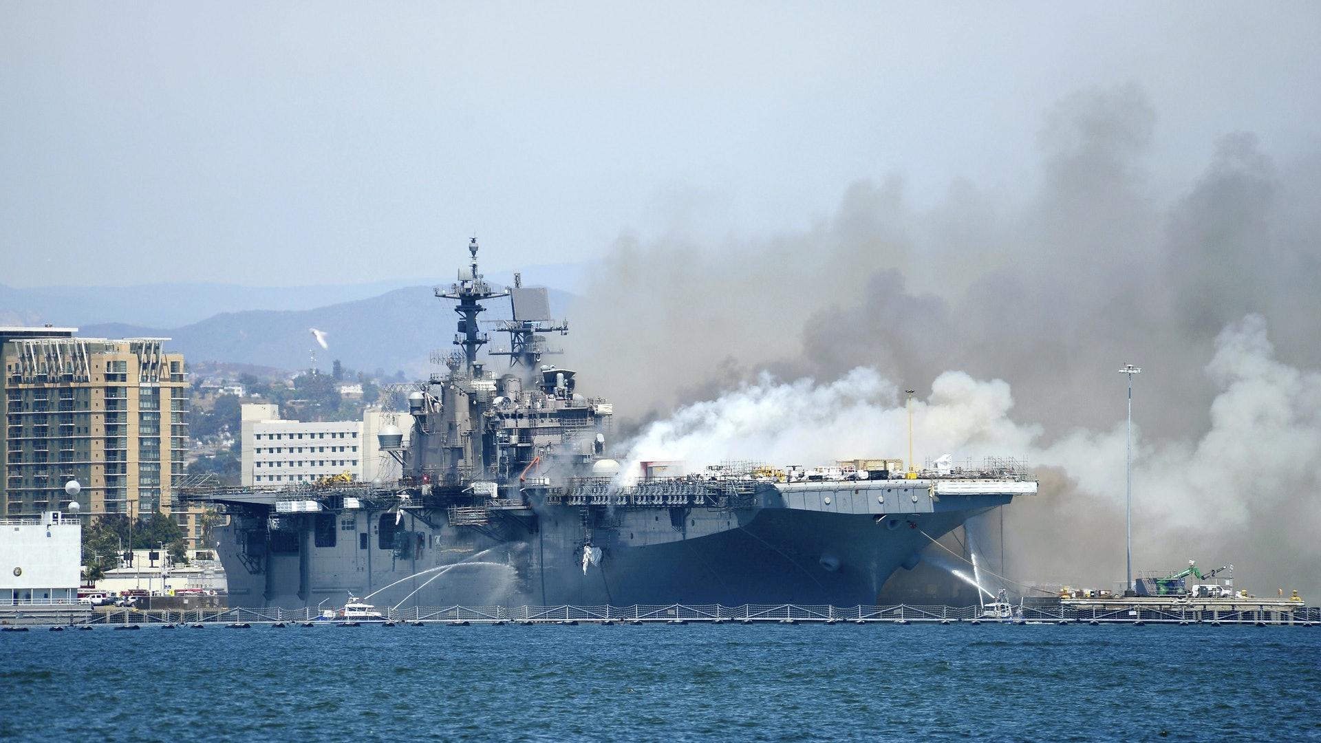 东风-21D虽未必可以炸沉美军航母,为何说能将其炸成废铁?