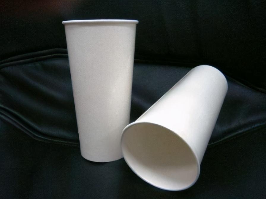 一次性纸杯不是快消品,还能有更多用途,剪几刀就是宝