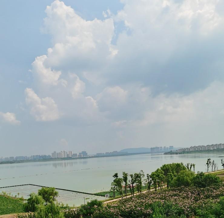 那些被地域耽误的大学:湖北二师超过湖北师大,长江大学一本垫底