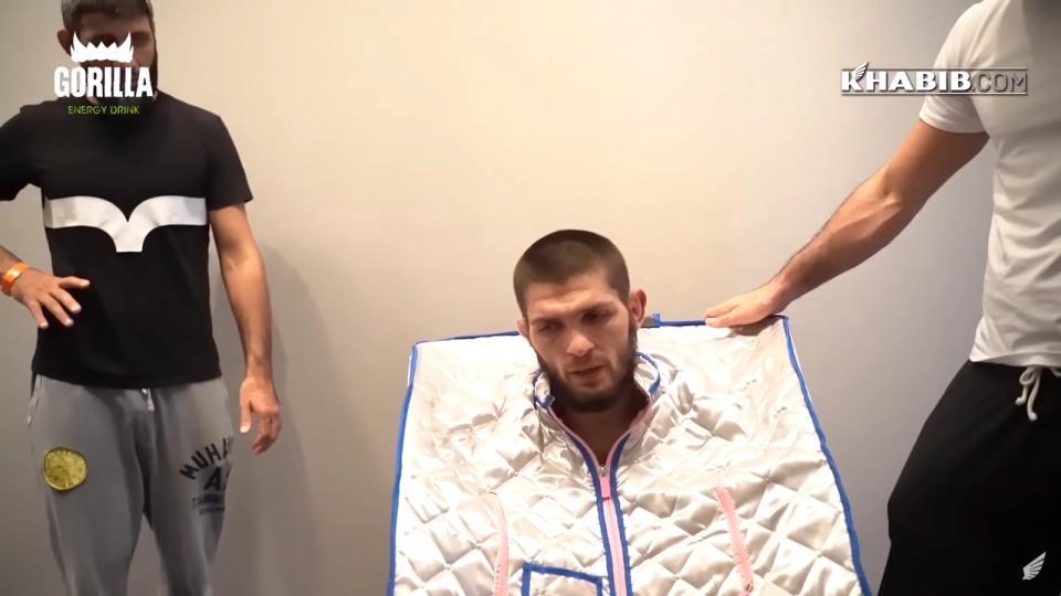 小鹰发布赛前减重痛苦视频,退役真正原因揭晓:体重实在降不下去