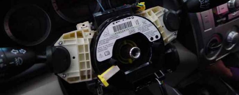 方向盘游丝坏了前兆,汽车方向盘游丝换一个多少钱
