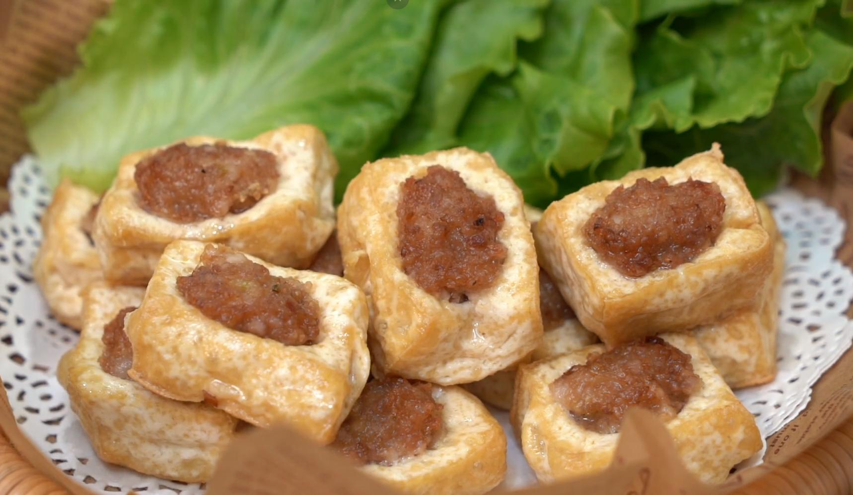 豆腐加一塊五花肉,教你沒吃過的做法,葷素搭配,香到流口水