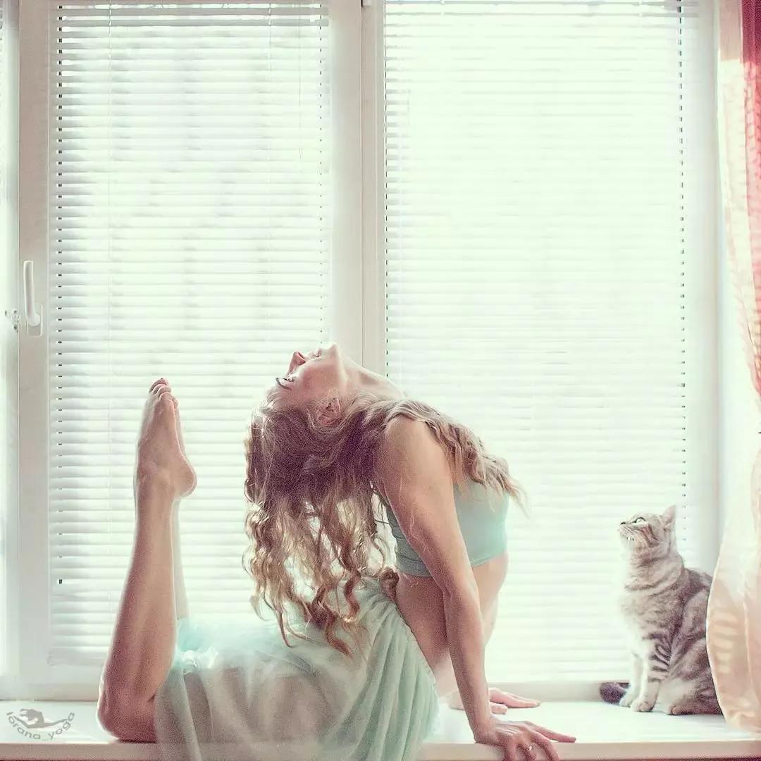 练瑜伽的妈妈就是世界上最美的妈妈!没有之一