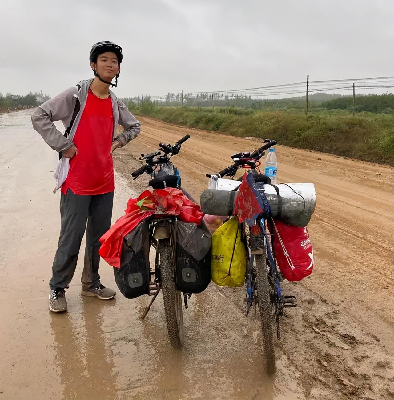 厉害!19岁四川小伙骑行2300公里上大学