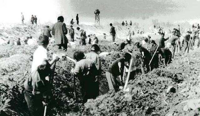 1954年,毛主席为什么要决策成立新疆生产建设兵团?