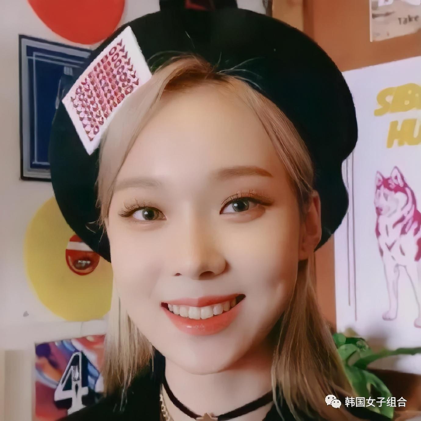 SM新女团成员新出的初中毕业照,还是学生会副会长?