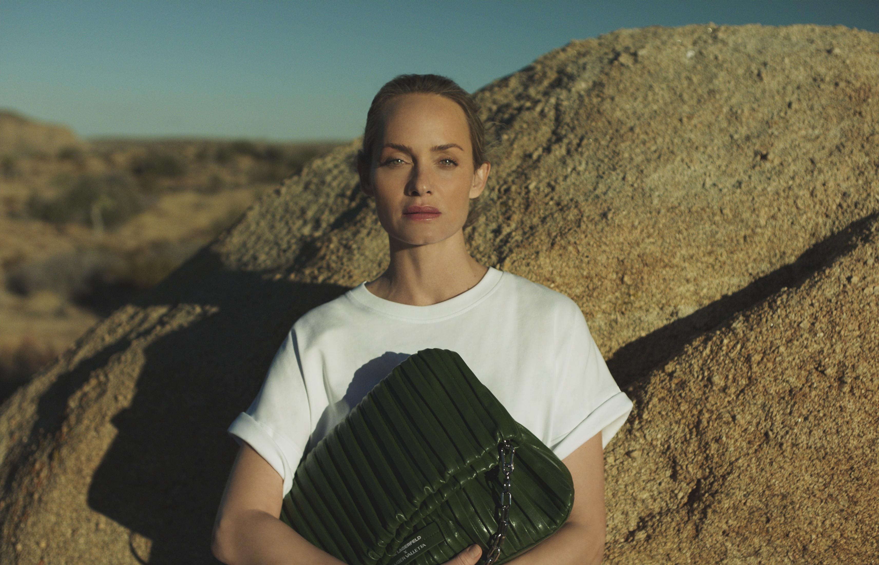 演绎春夏生态时尚KARL LAGERFELD X AMBER VALLETTA 联名系列发布