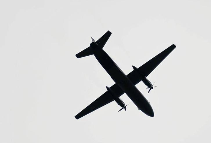 俄罗斯一架载28人飞机坠海,地点已经找到