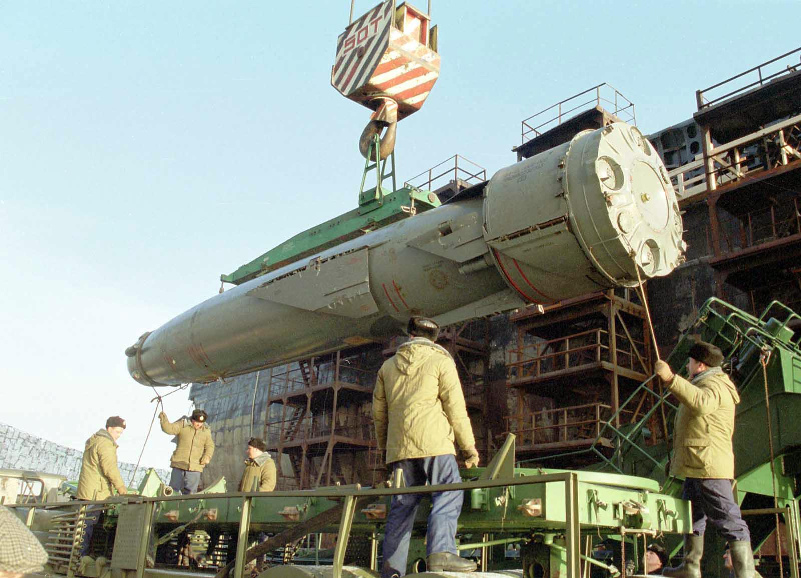 俄大批战舰将内海封锁,核潜艇发射重型导弹,摧毁海上大型目标