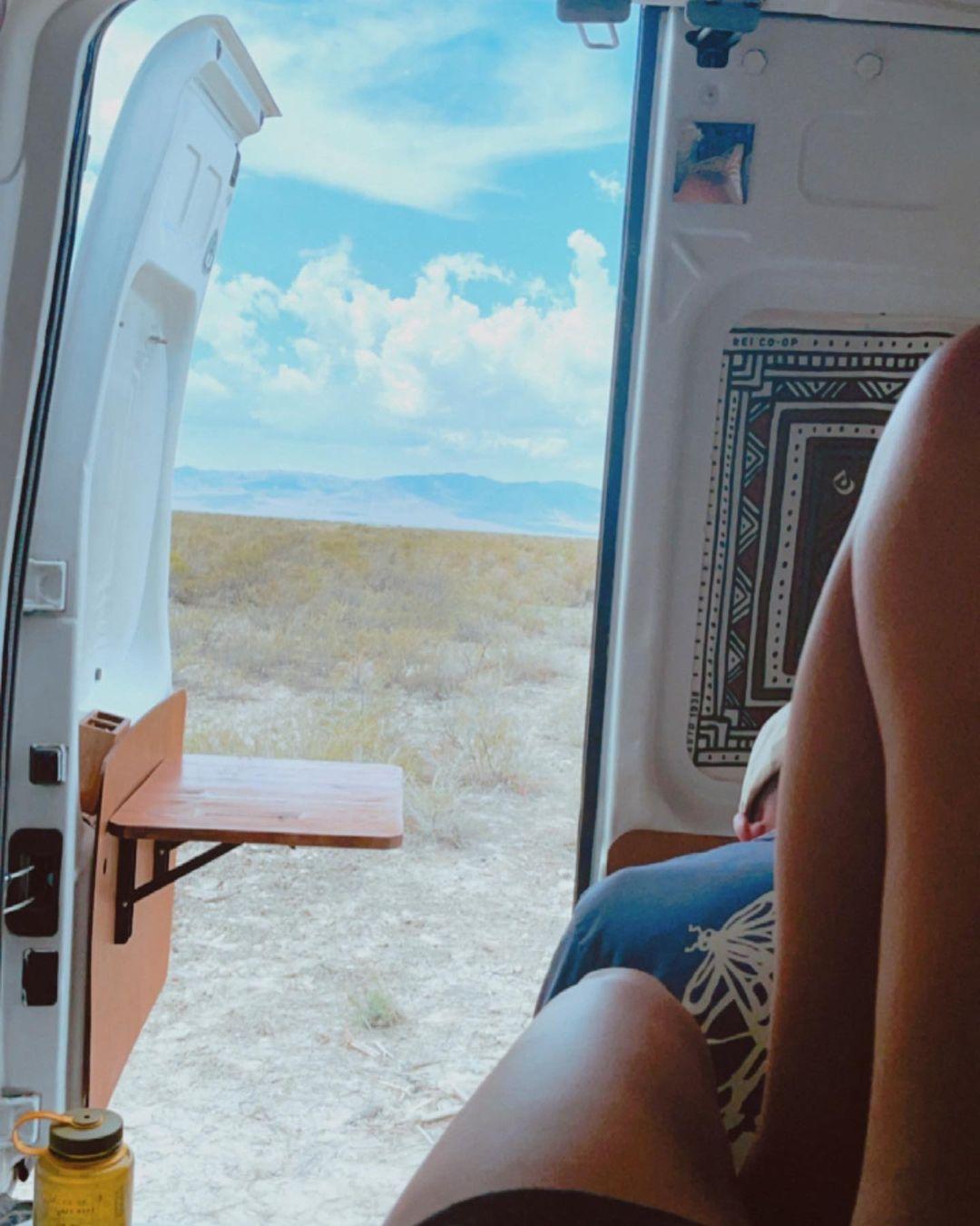 恩爱情侣开房车环游美国,结果两个月后,只有一个人回家…