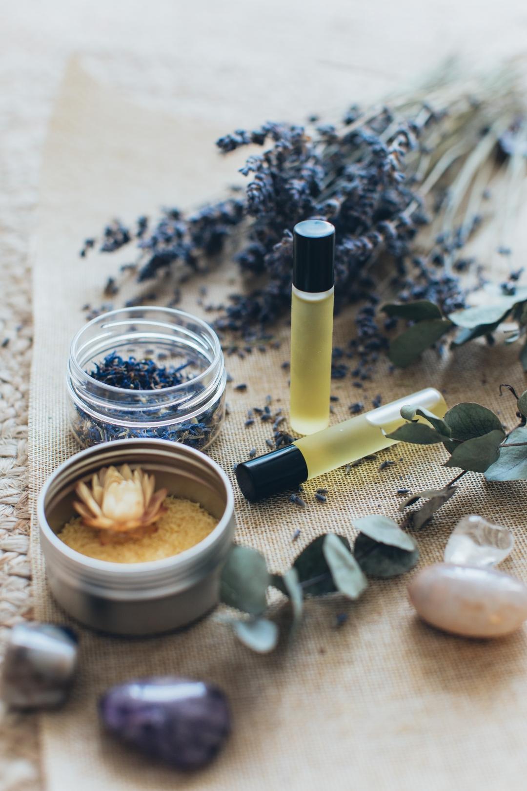 17种常见精油的美容护肤功效