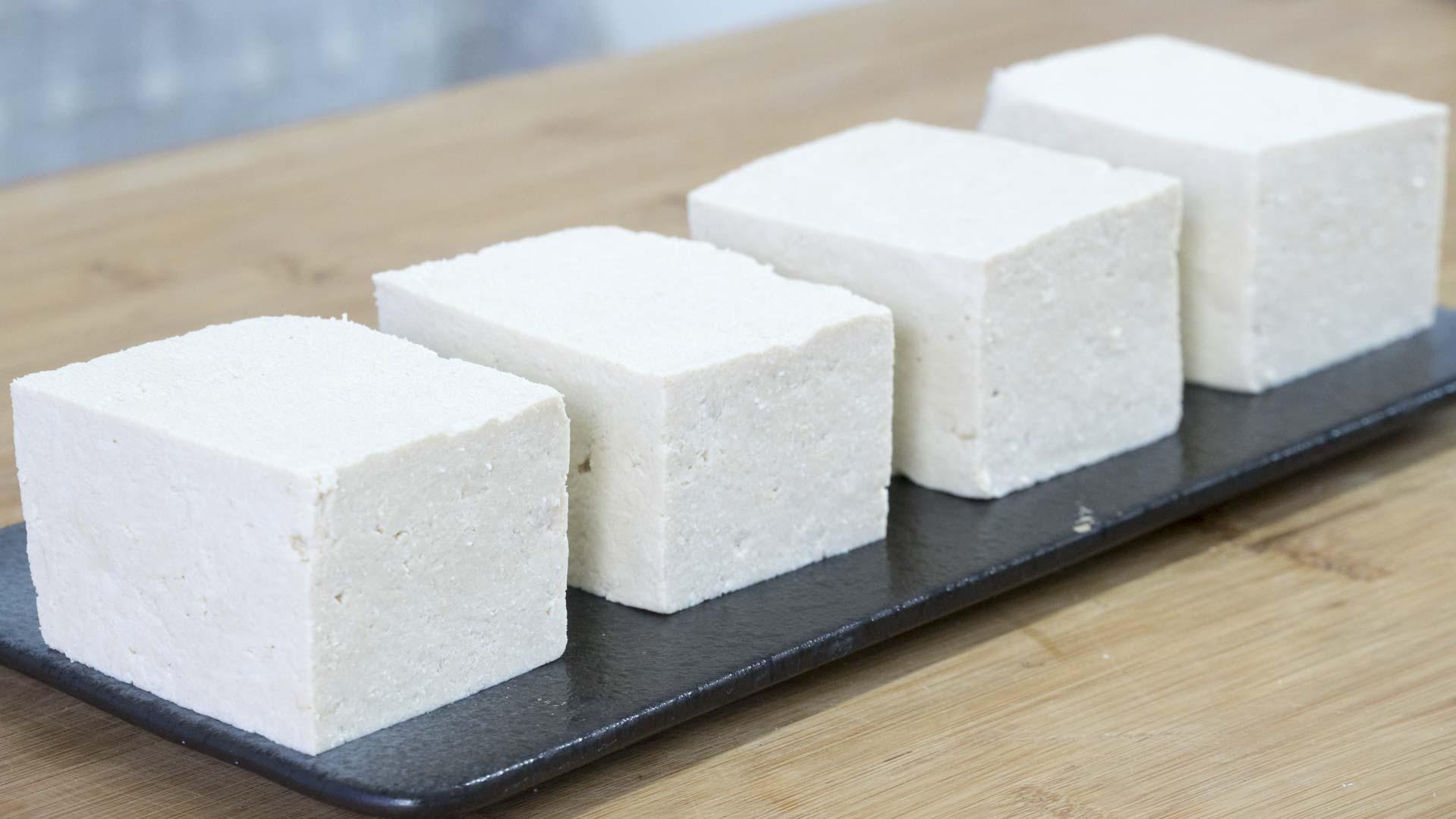 在家做豆腐,2斤黄豆出8斤豆腐,健康零添加,做法简单又好吃 美食做法 第1张
