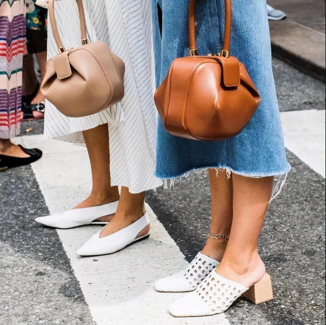走路不舒服?这双鞋是春夏必备单品,太好穿了