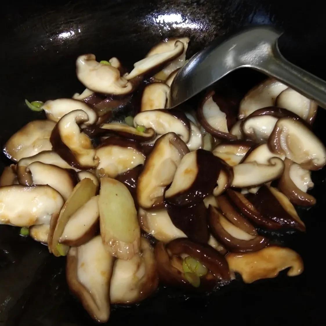 最普通的家常菜:香菇油菜(建议收藏) 美食做法 第7张