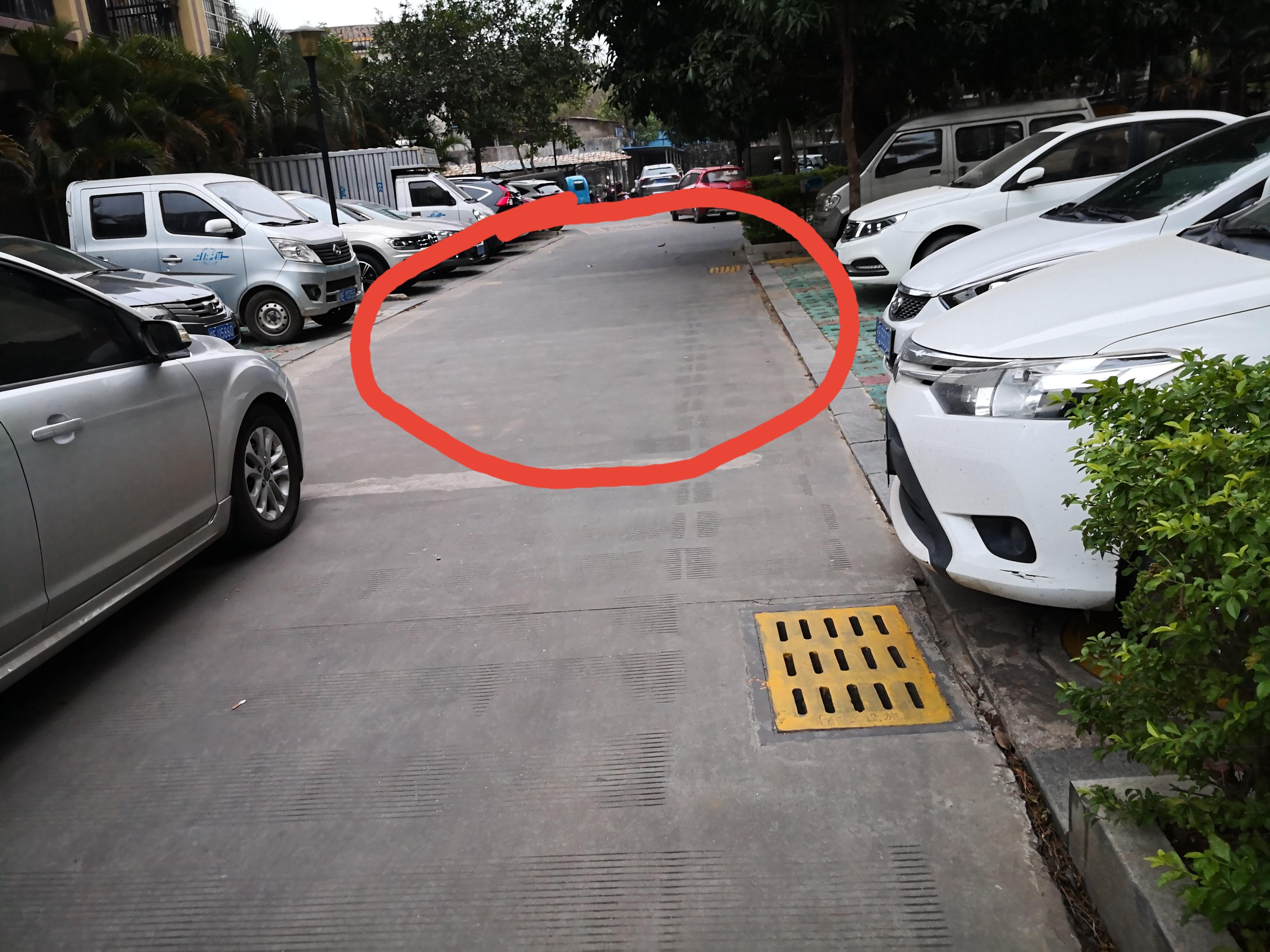 直角转弯,牢记这个技巧,多窄的路都不怕