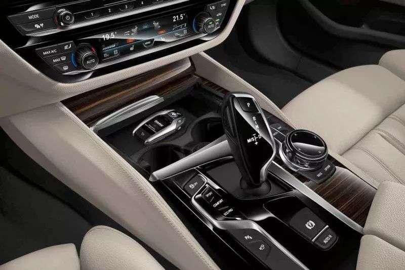 BMW液晶钥匙 为您开启未来出行