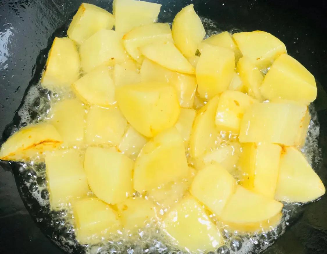 超详细的土豆炖牛肉,学起来吧 美食做法 第5张