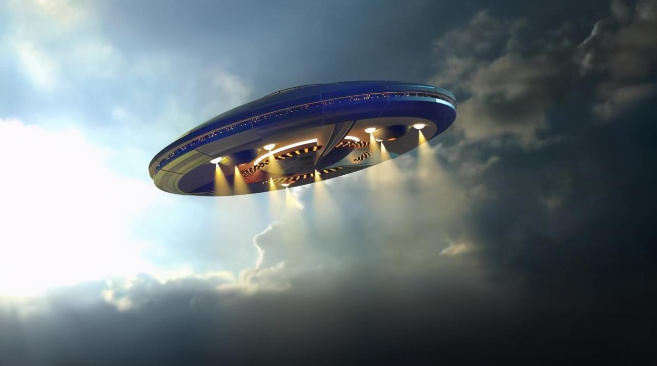 """外星人又来试探地球?英国老大爷拍下""""奇怪""""照片,引发网友热议"""