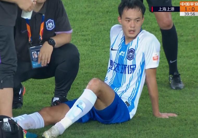 GIF:再伤一个!刘若钒受伤