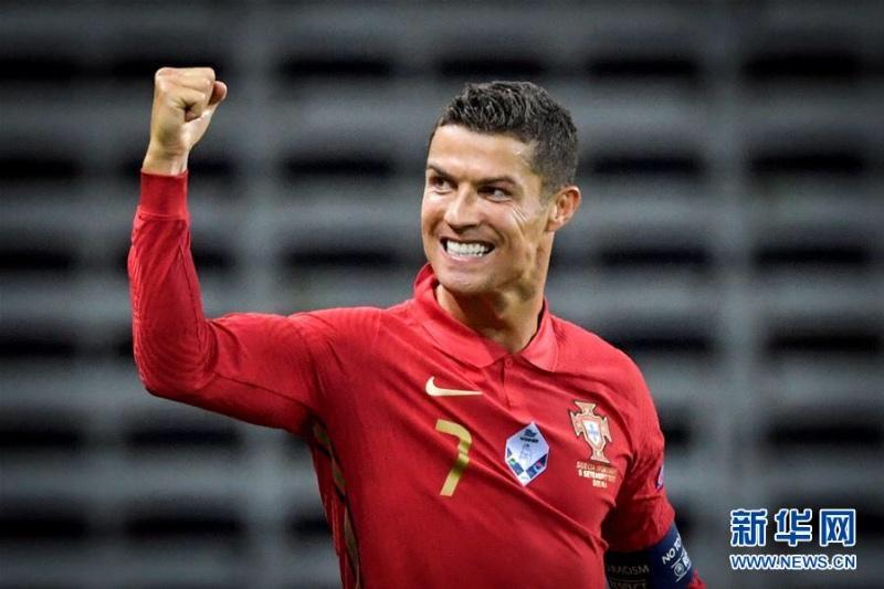 C罗国家队进球破百,追上世界纪录就差八球