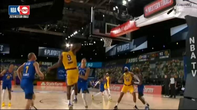 【影片】神來之筆!Rondo接一眉哥手遞手傳球,籃板後側高拋得手,金塊球員心態都崩了…