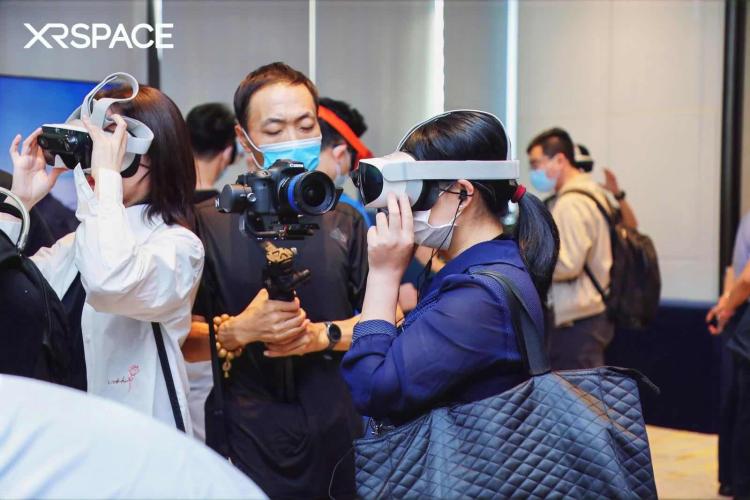 VR2.0让你在虚拟世界里社交