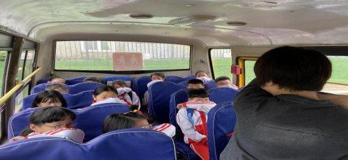 昌图北山小学校车遇险逃生演练