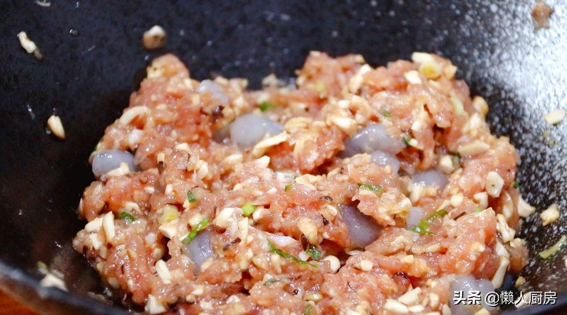 這是香煎豆腐皮蝦餅,鹹香可口,其它做法靠邊站