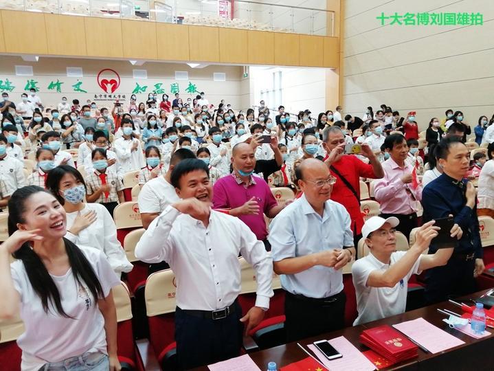 连续12年中秋,民建广西人到区第一所孤儿学校开展爱心慰问演出