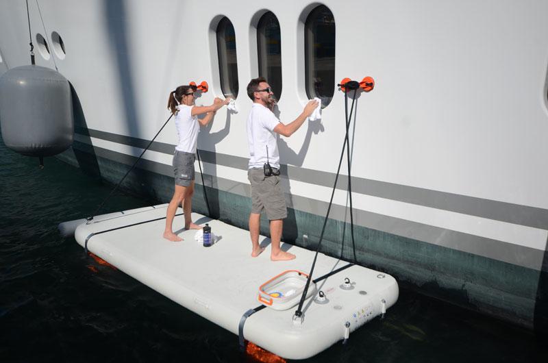 "NautiBuoy Marine多功能休闲充气浮台,打造一个海上""私人岛屿"""