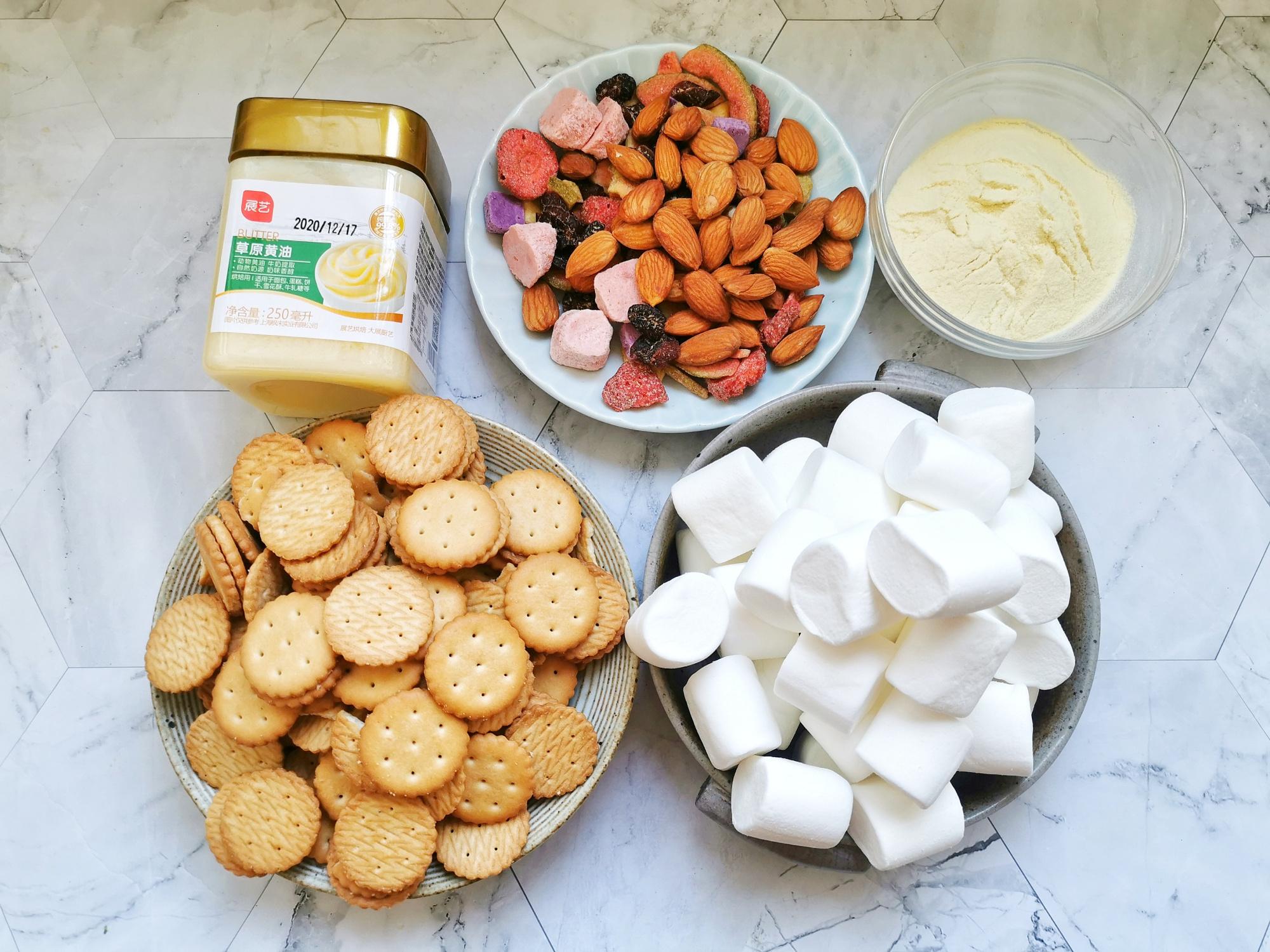 教你做雪花酥,不用奶粉甜而不膩,過年招待客人,比牛軋糖還好吃