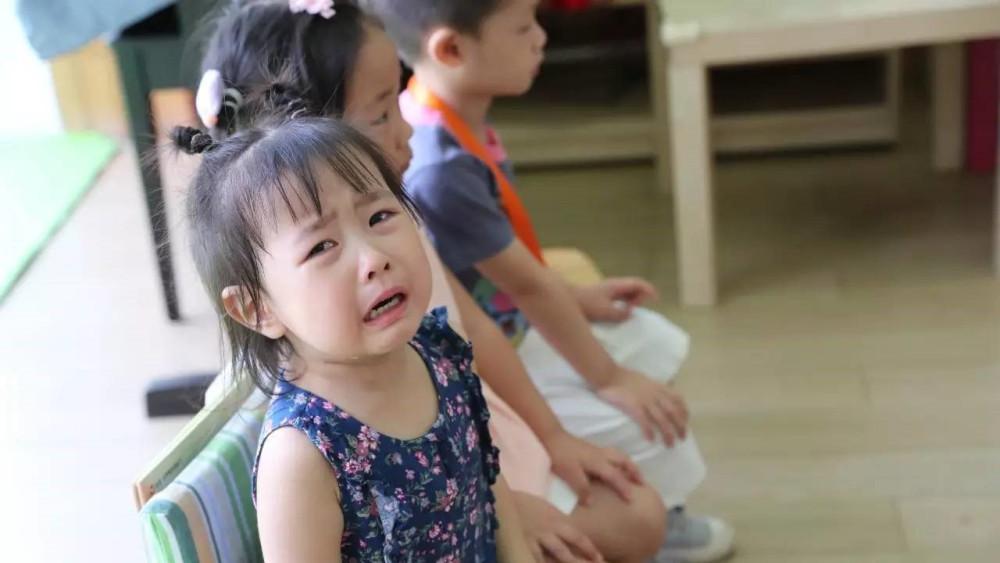 宝宝入园爱哭闹怎么办?防止分离焦虑,有些